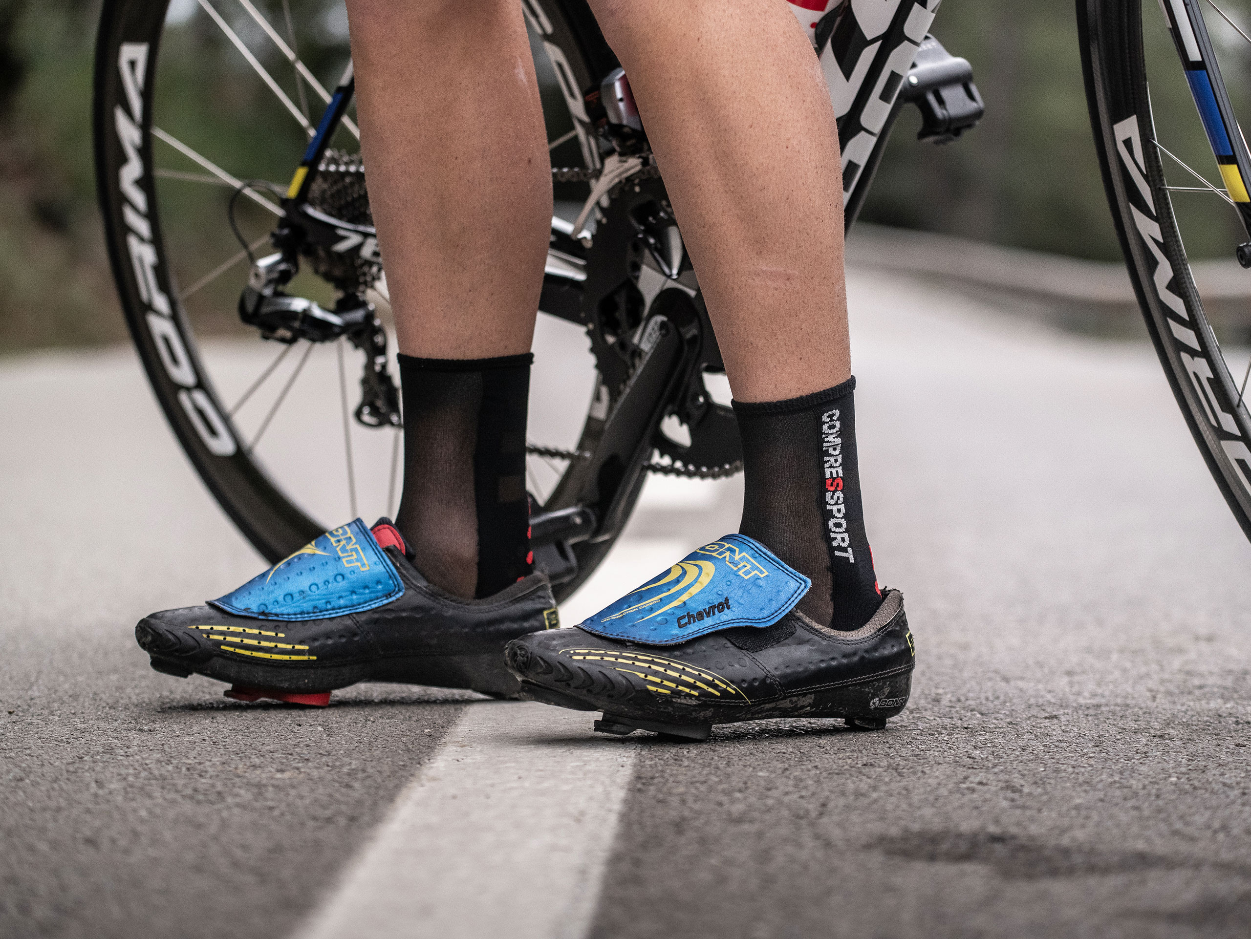 Pro Racing Socks v3.0 Ultralight Bike black/red