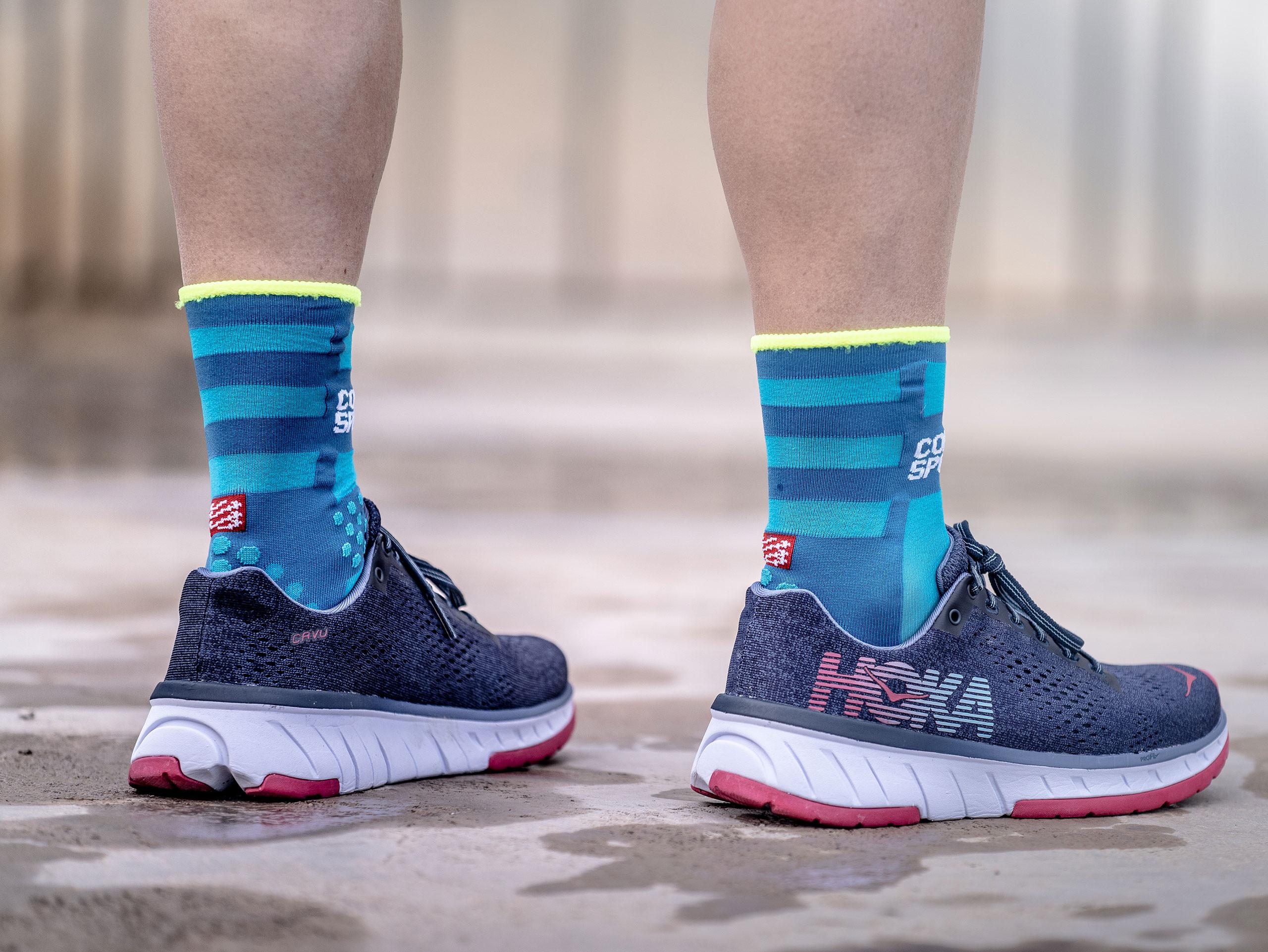 Pro Racing Socks v3.0 Ultralight Run High FLUO BLUE