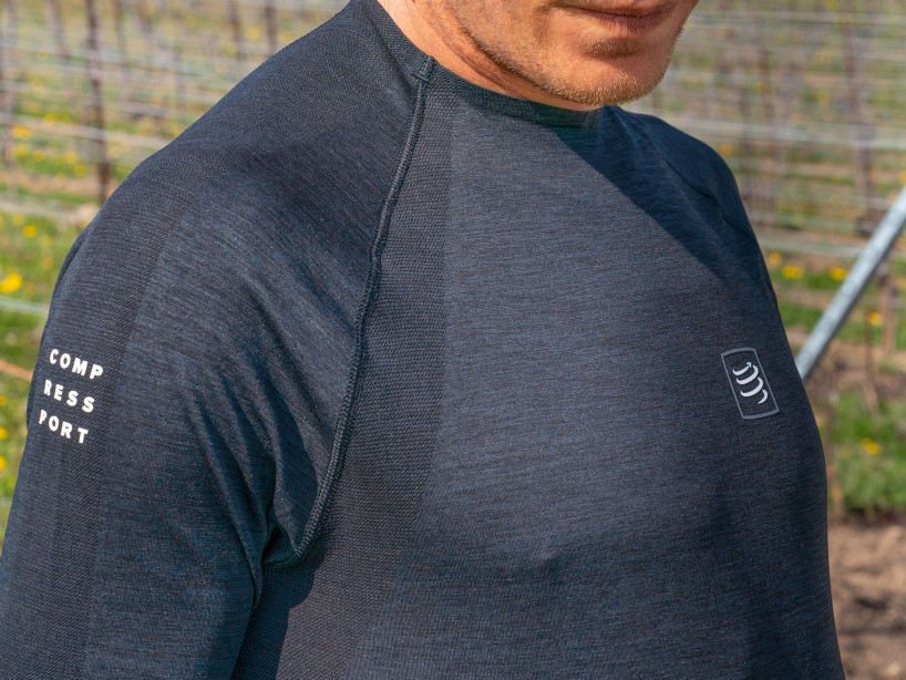 T-shirt LS nera da allenamento