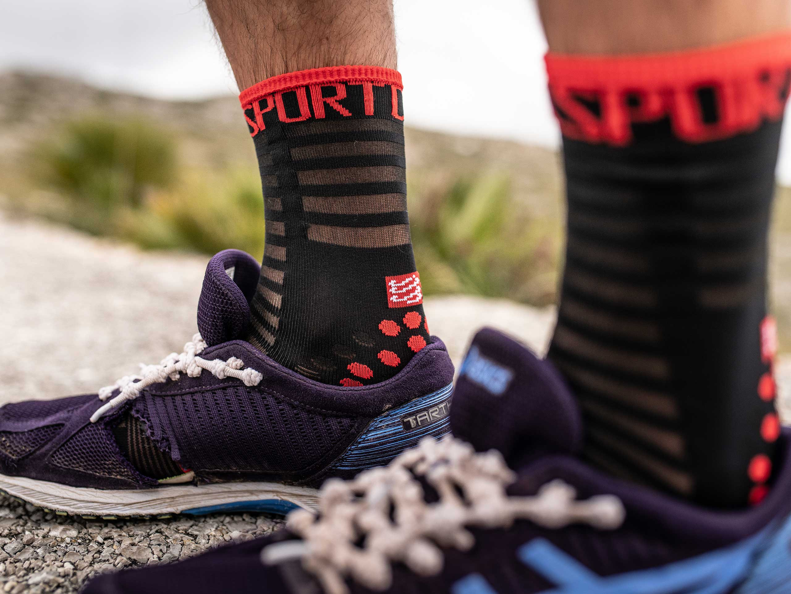 Pro Racing Socks v3.0 Ultralight Run High black/red