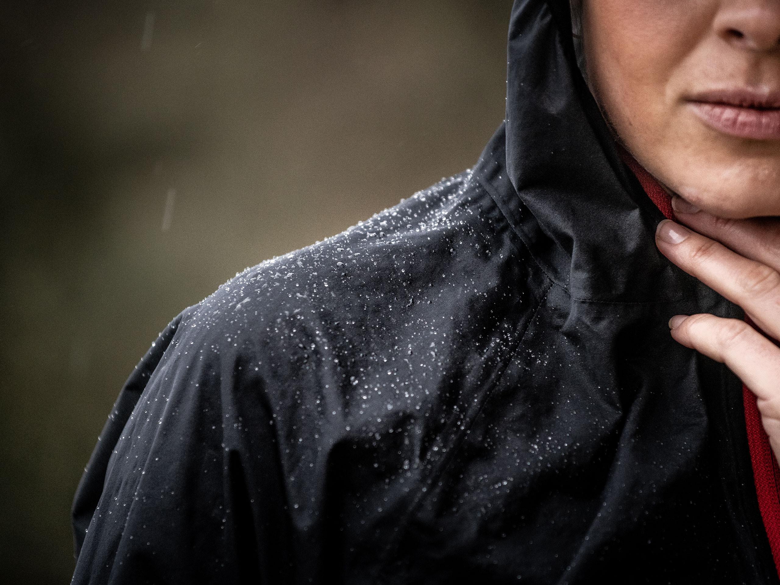 Chaqueta Hurricane Waterproof 10/10 negra