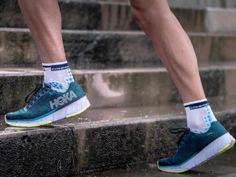 Pro Racing Socks v3.0 Run High weiß/blau