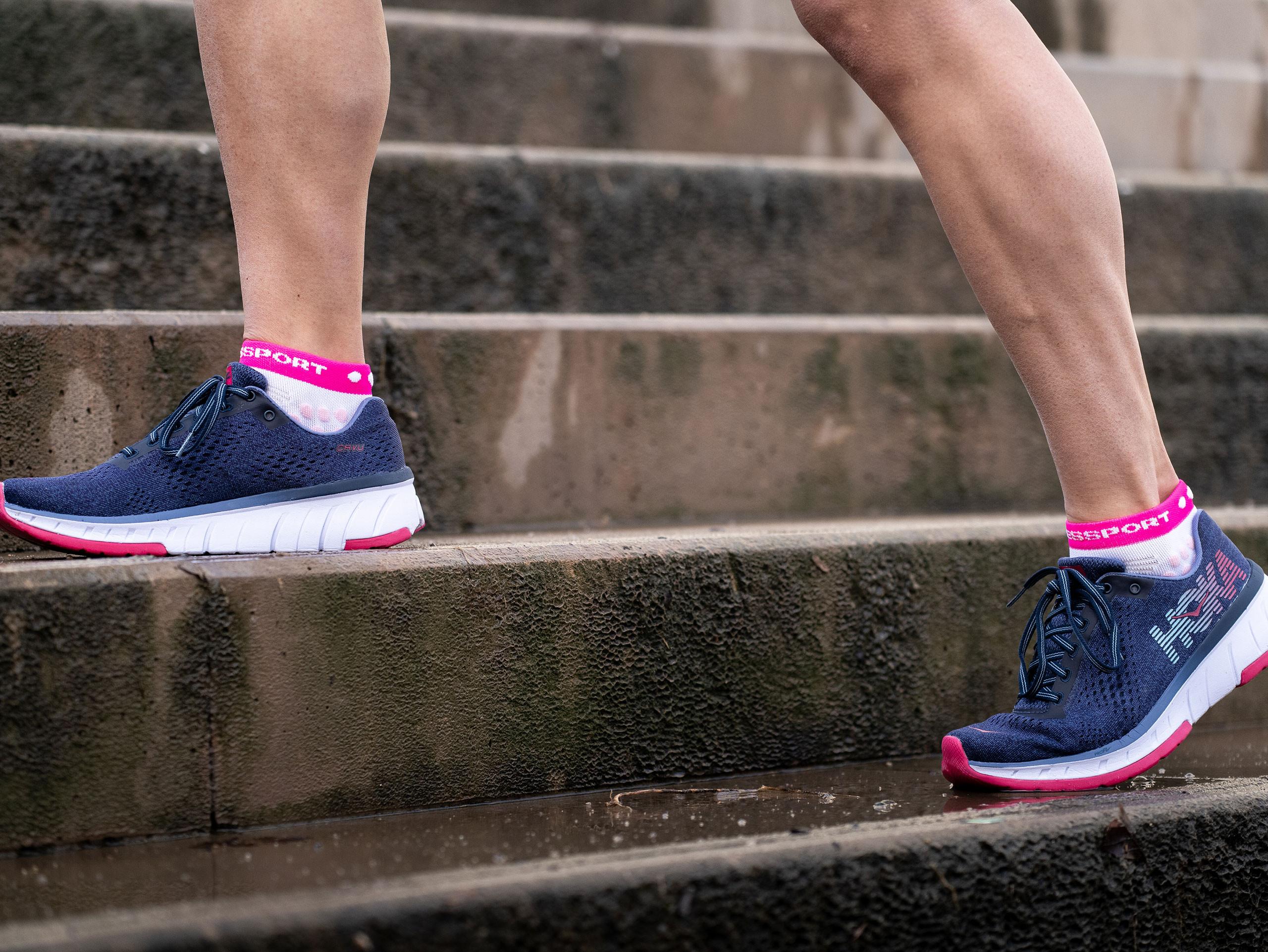 Calcetines deportivos pro v3.0 Run Low blanco/rosa