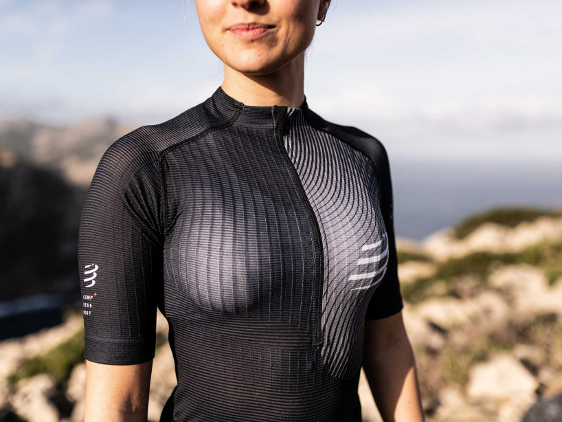 Trail Postural SS Top W black