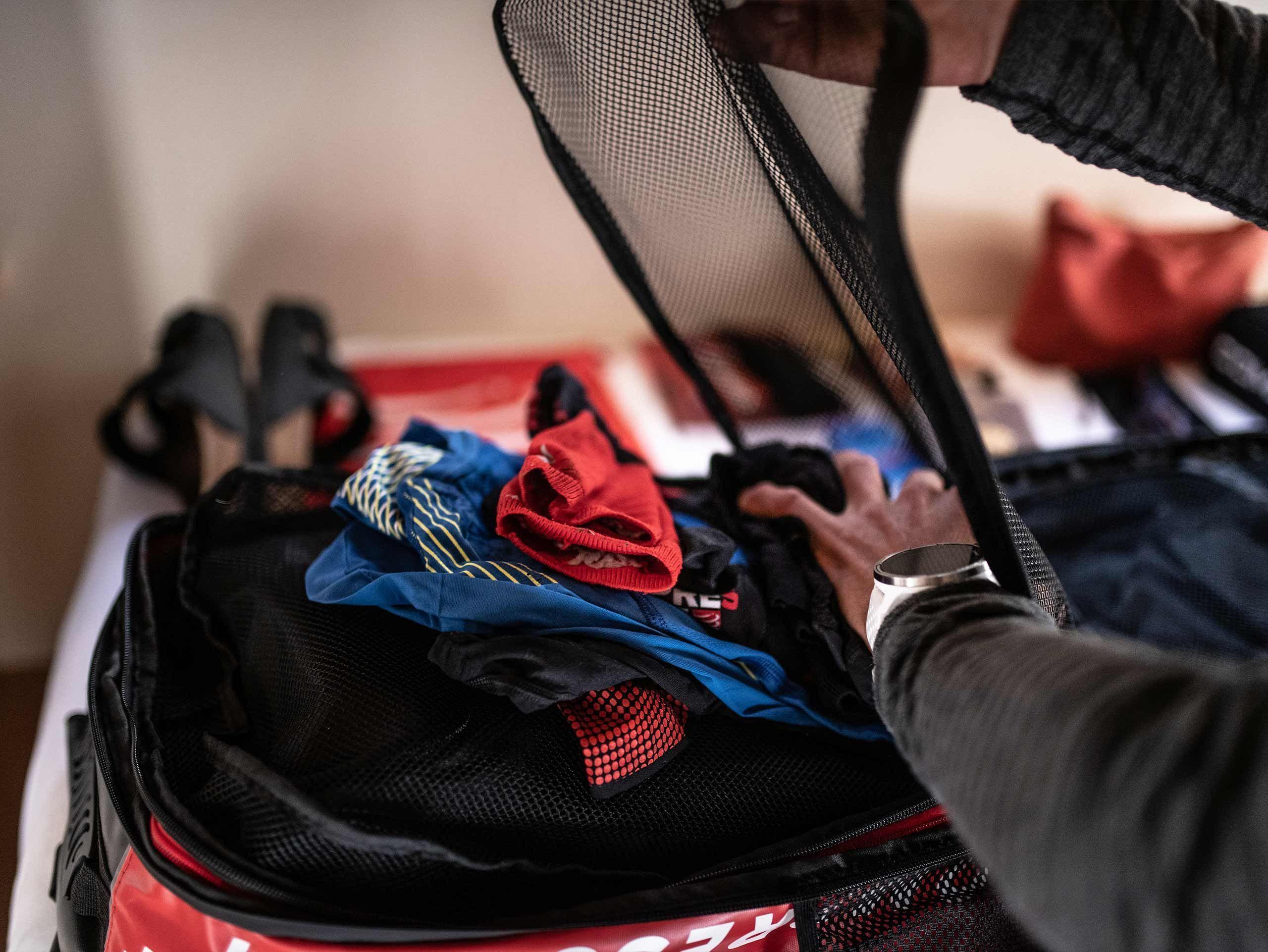 GlobeRacer Bag BLACK/RED