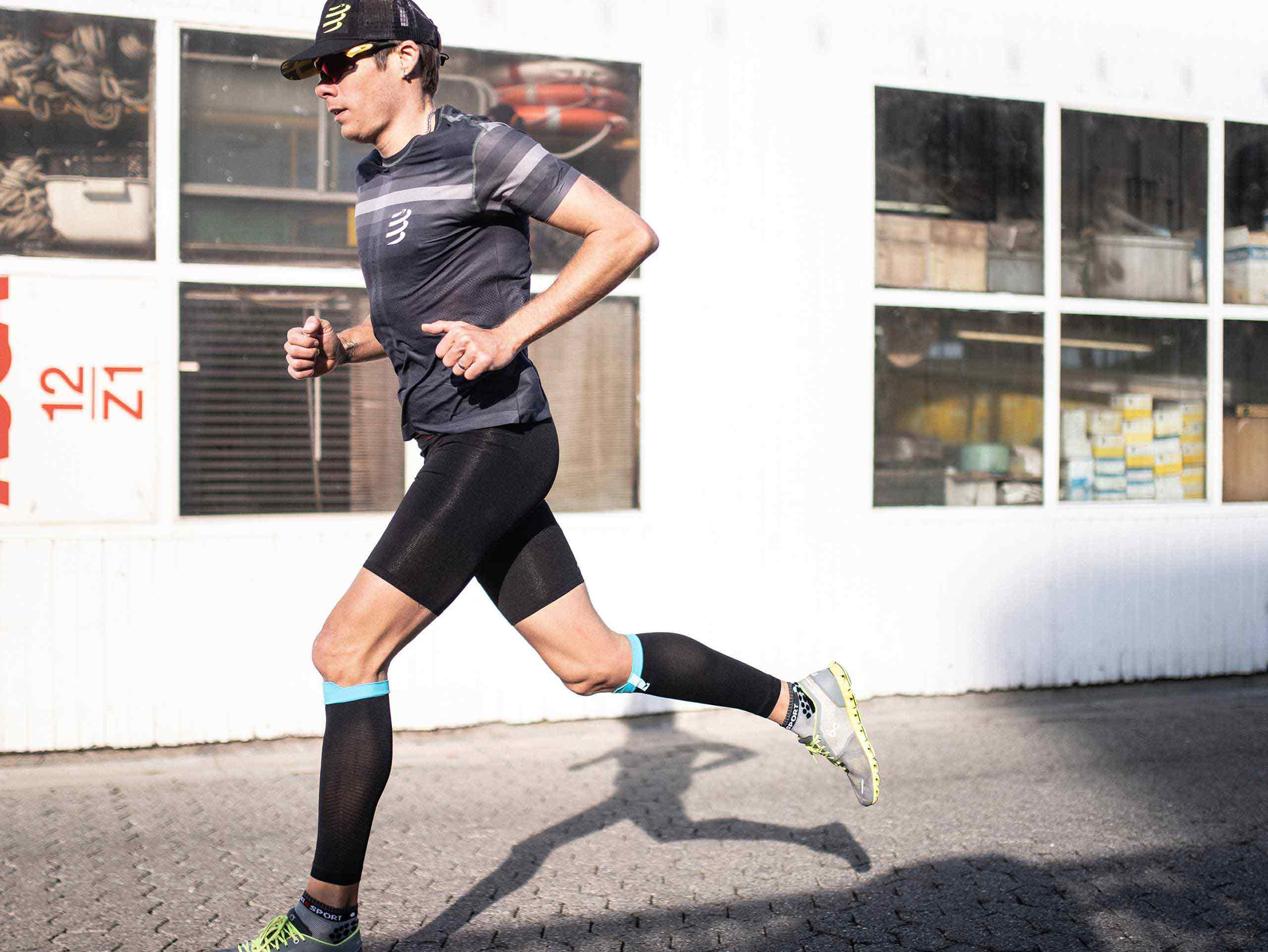 Mallas cortas Run Under Control negras