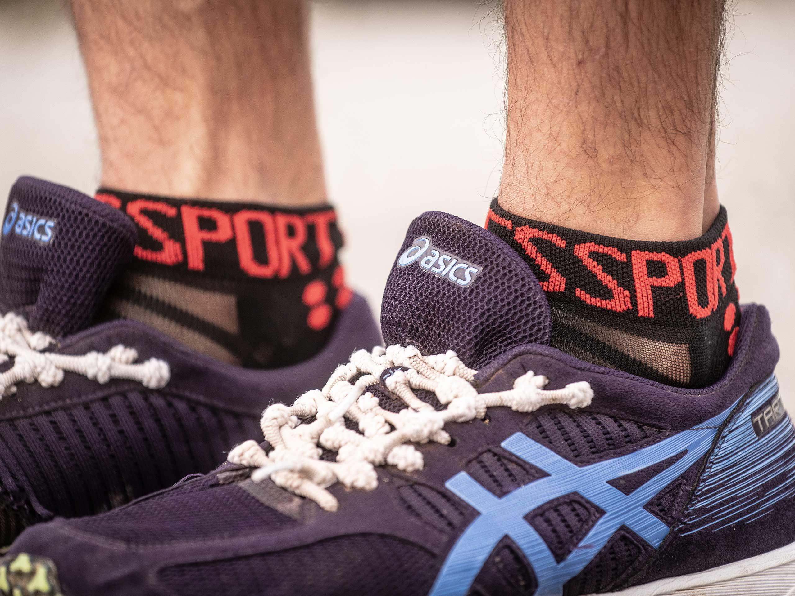 Pro Racing Socks v3.0 Ultralight Run Low noir/rouge