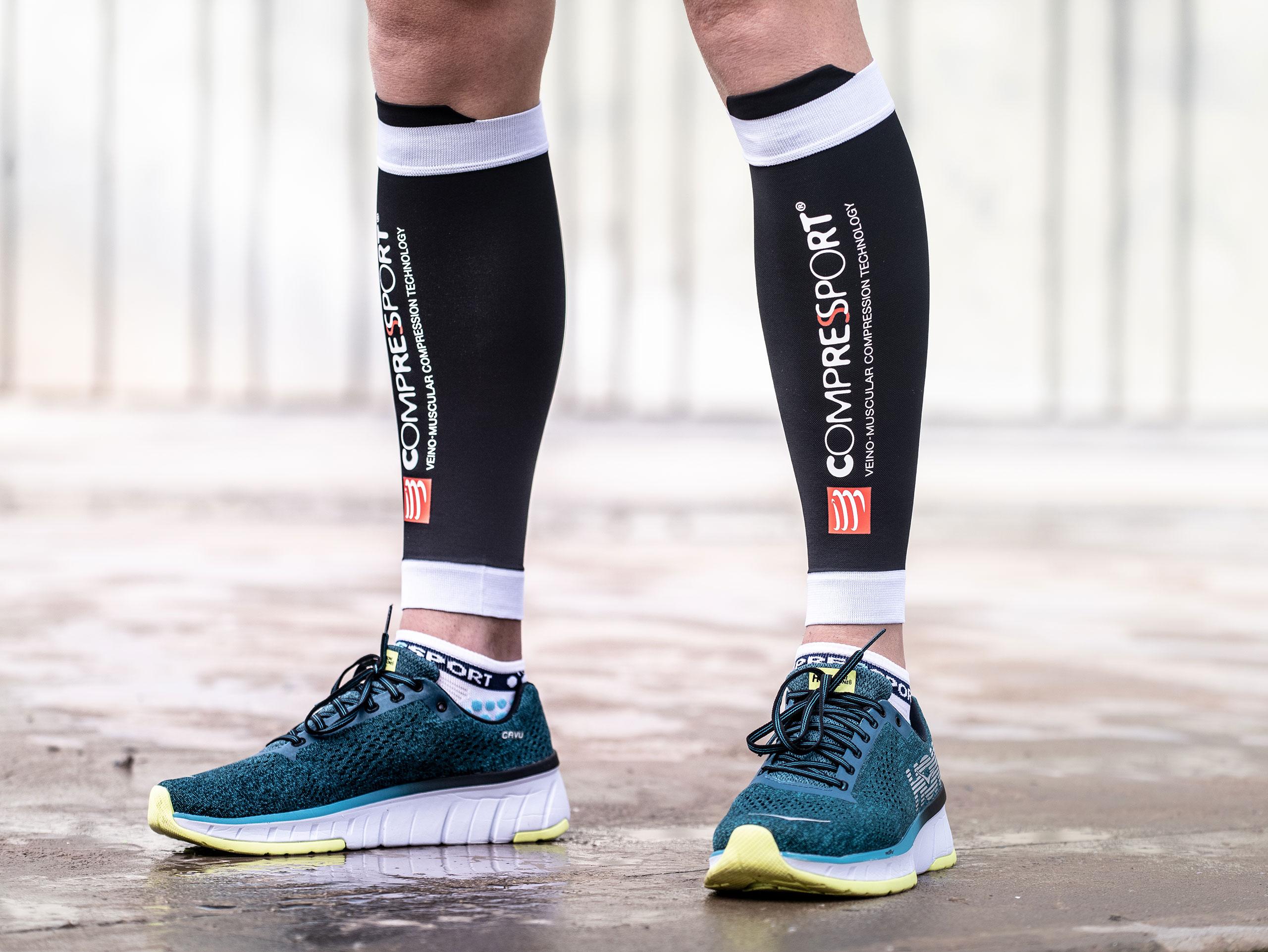 dove posso comprare nuova collezione la migliore vendita Compression calf sleeves black l R2V2 by Compressport