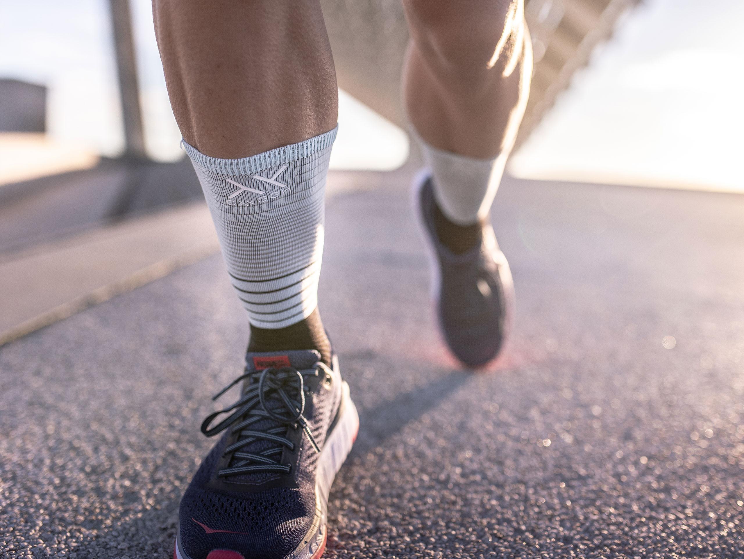 Mid compression socks black/ice blue
