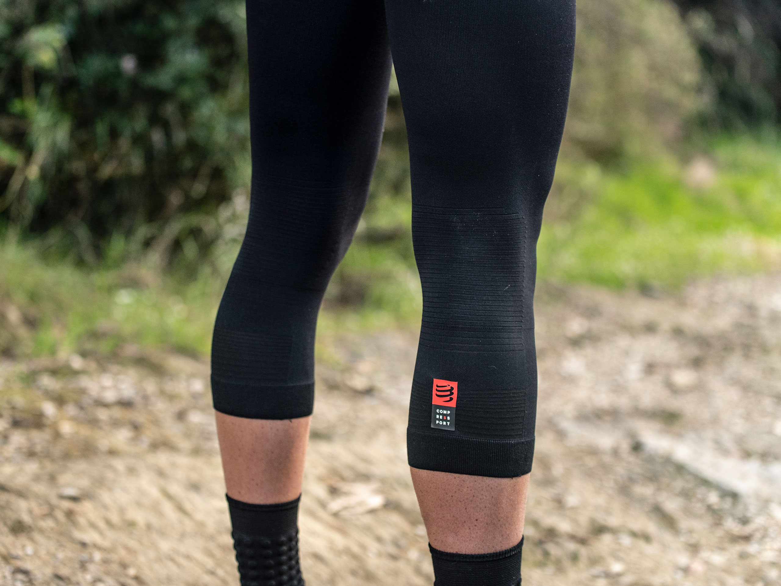 Mallas pirata de trail running Under Control negras