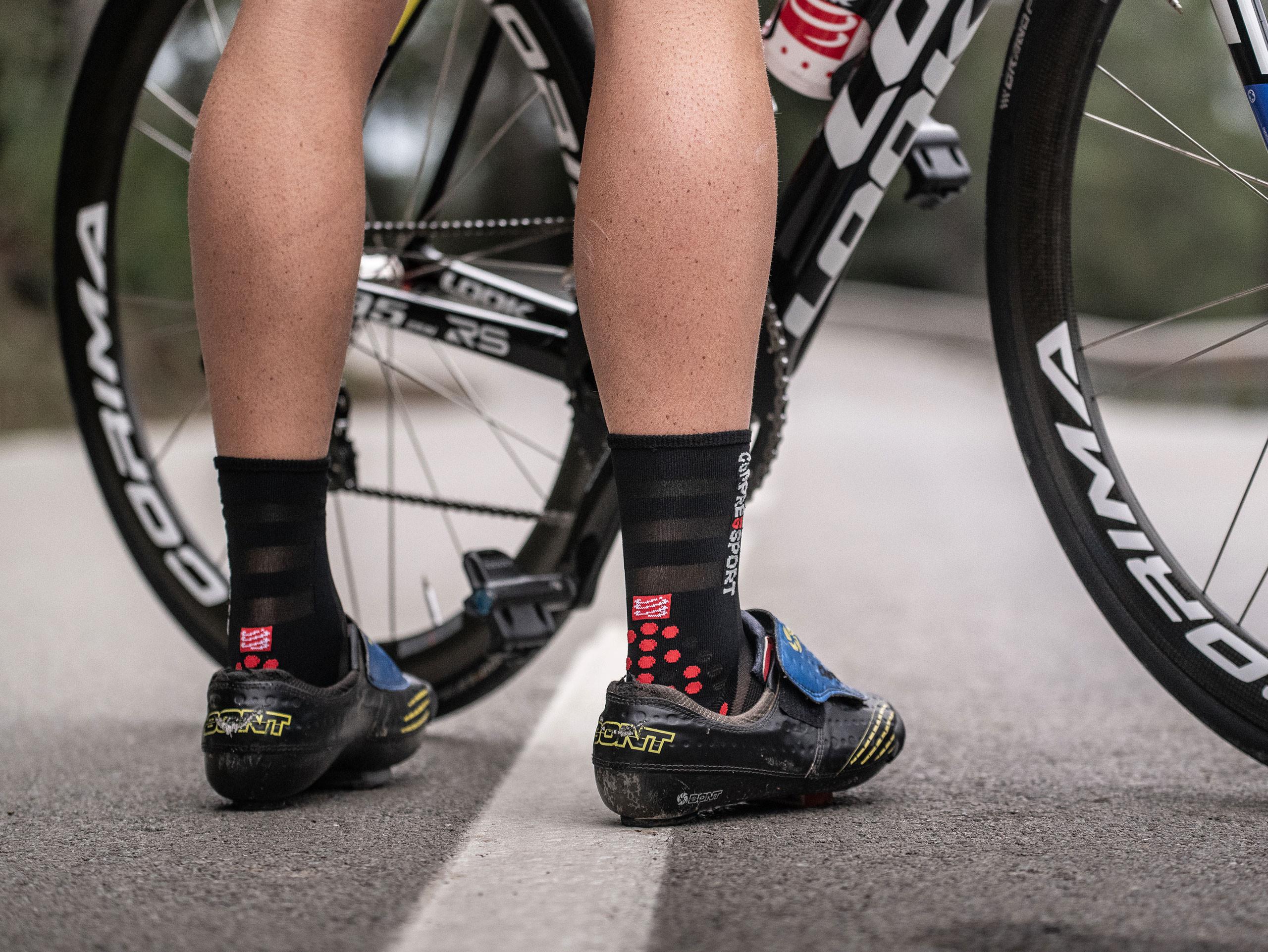 Calzini da gara professionali v3.0 Ultralight Bike neri/rossi