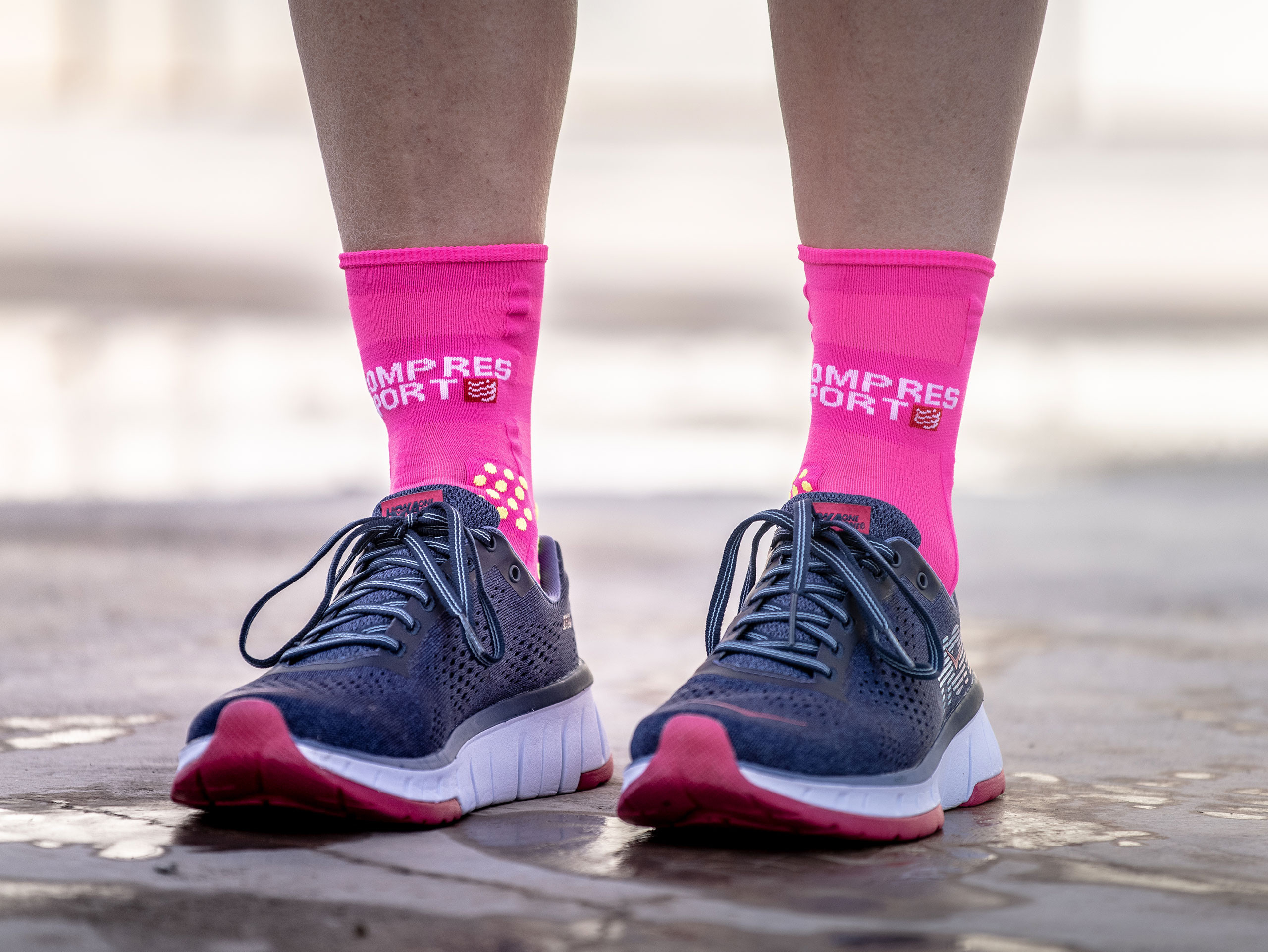 Calcetines deportivos pro v3.0 Run Ultralight Run High rosa flúor