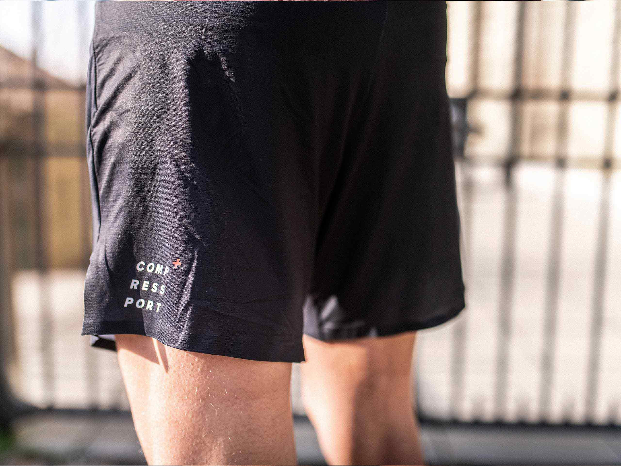 Performance Short black