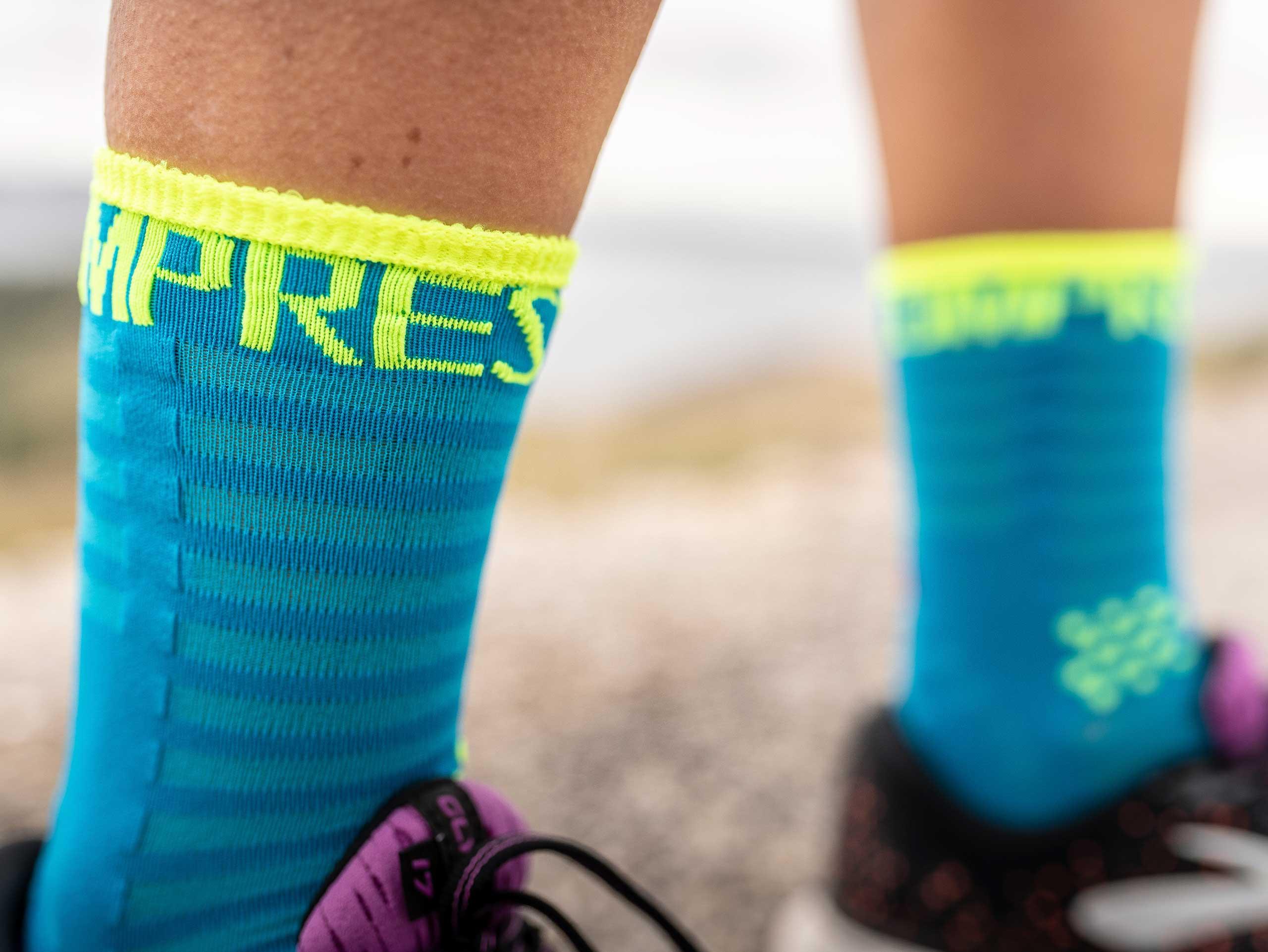 Pro Racing Socks v3.0 Ultralight Run High bleu fluo