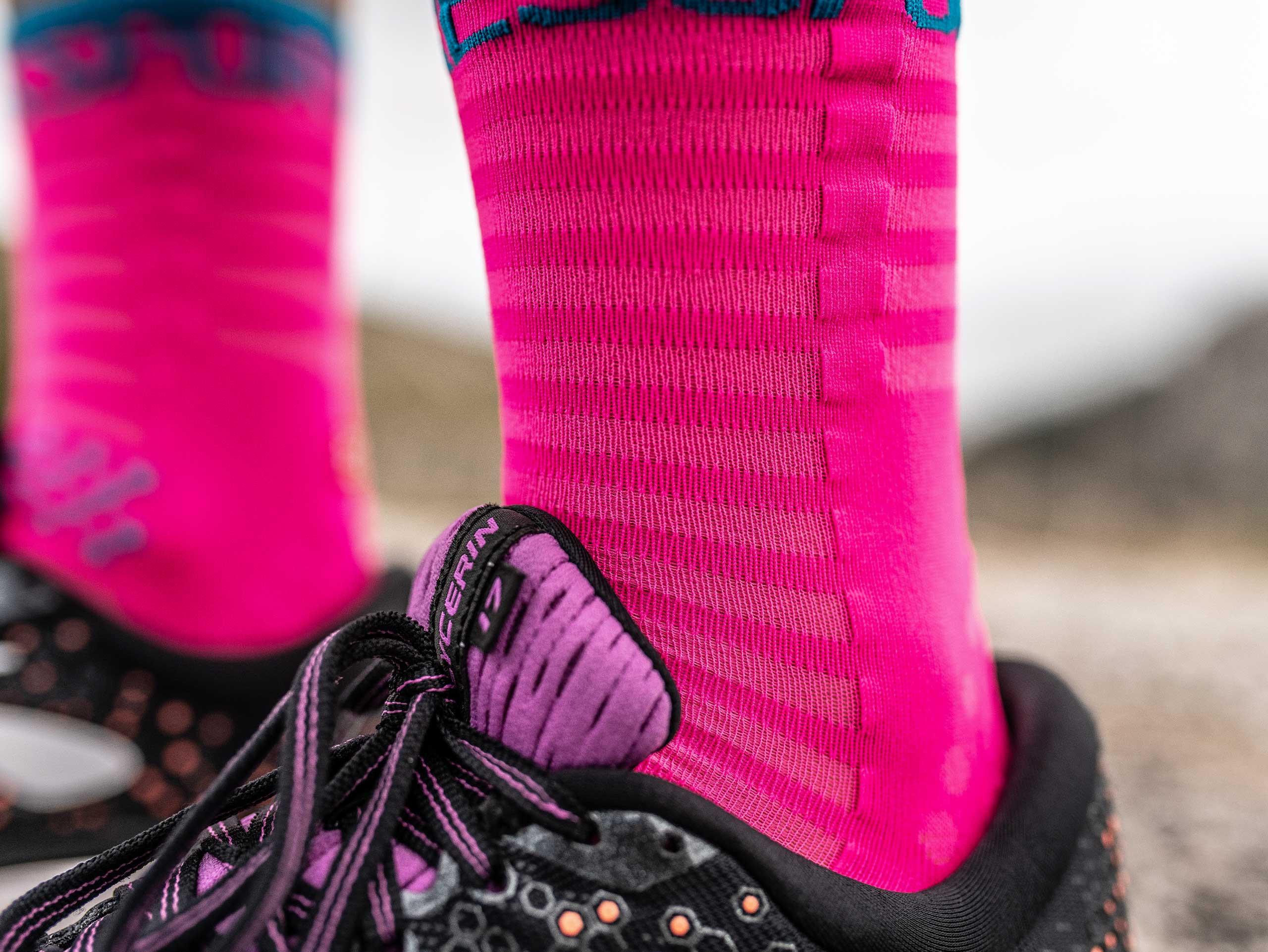 Calzini da gara professionali v3.0 Ultralight Run High rosa fluo