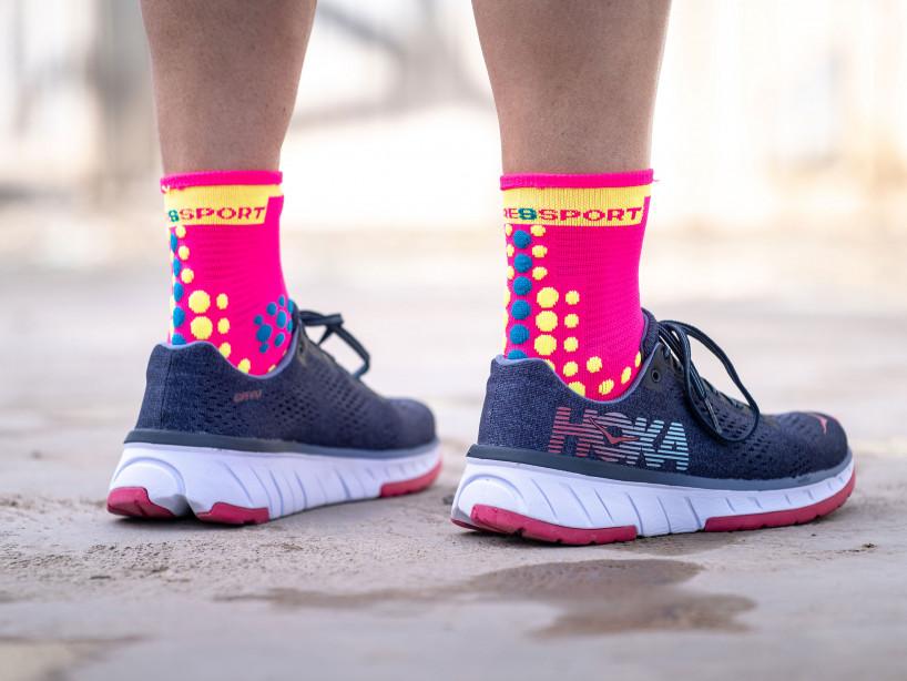 Pro racing socks v3.0 Run high fluo pink
