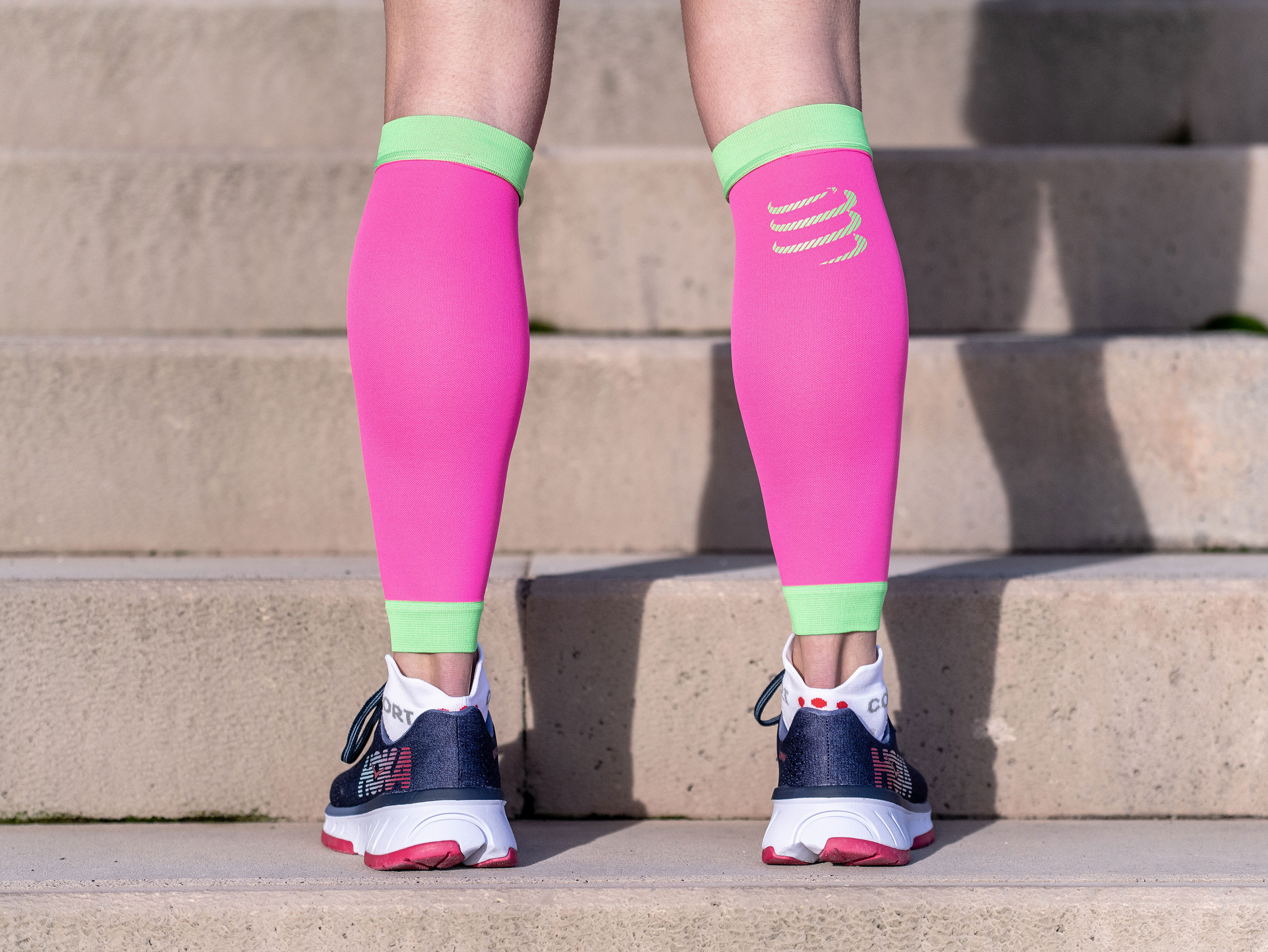 R2V2 calf sleeves fluo pink