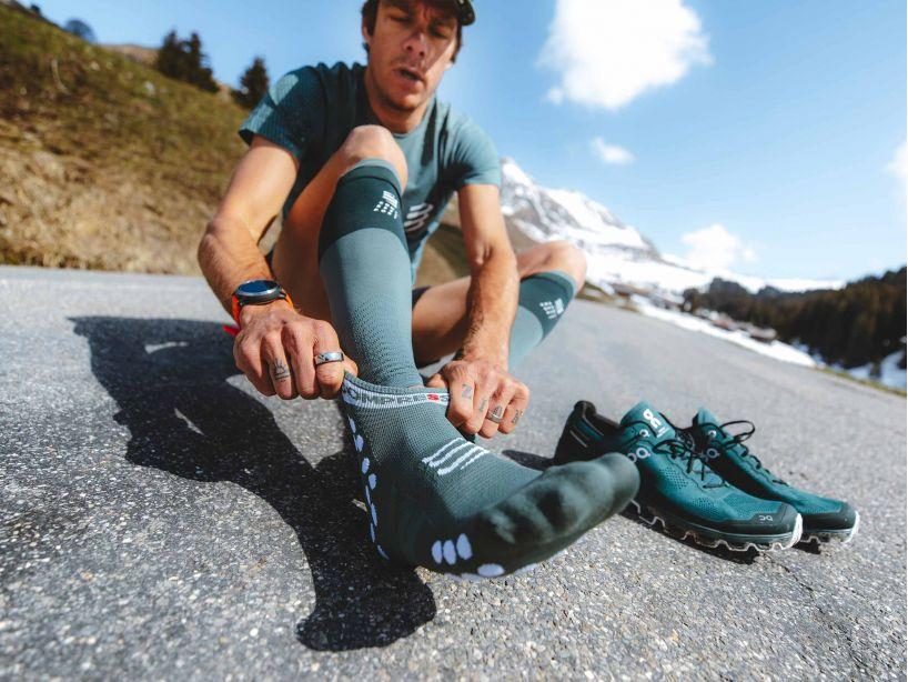 Pro Racing Socks v3.0 Run Low SILVER PINE/WHITE